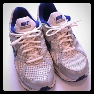 NIKE AIR Athletic Tennis Shoes 👟